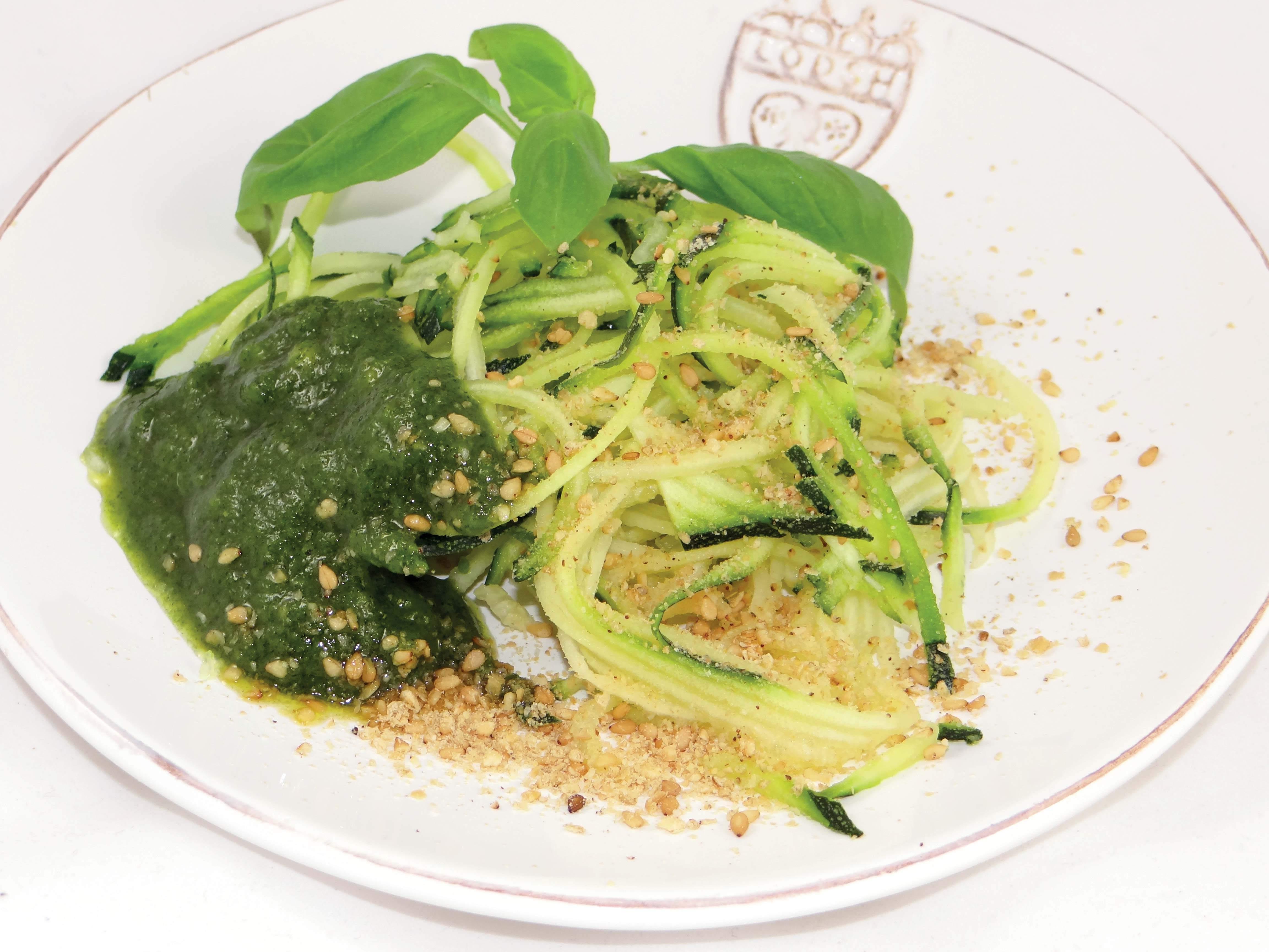 Moringa-Pesto-mit-Zucchini-Spaghetti-(5)