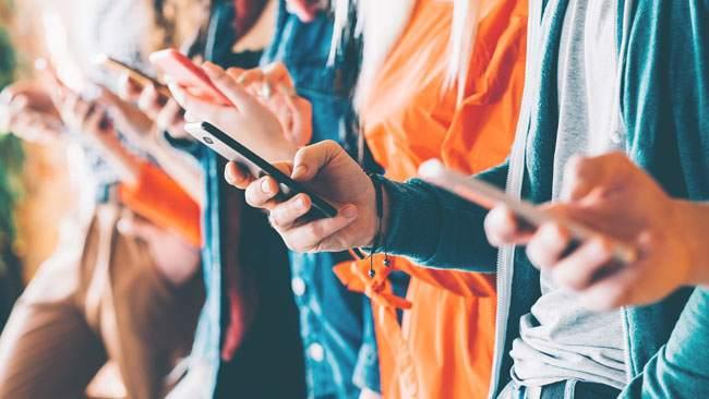 dipendenza da internet e cellulare